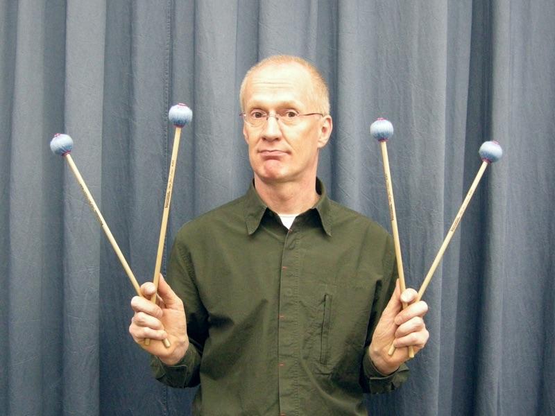 Manfred Menke mit 4 Mallets